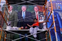 Karlisima_on_scaffold_mama_ayeshas_restaurant__presidential_mural